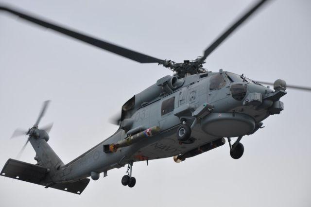 MH-60R с двумя торпедами Mk 54