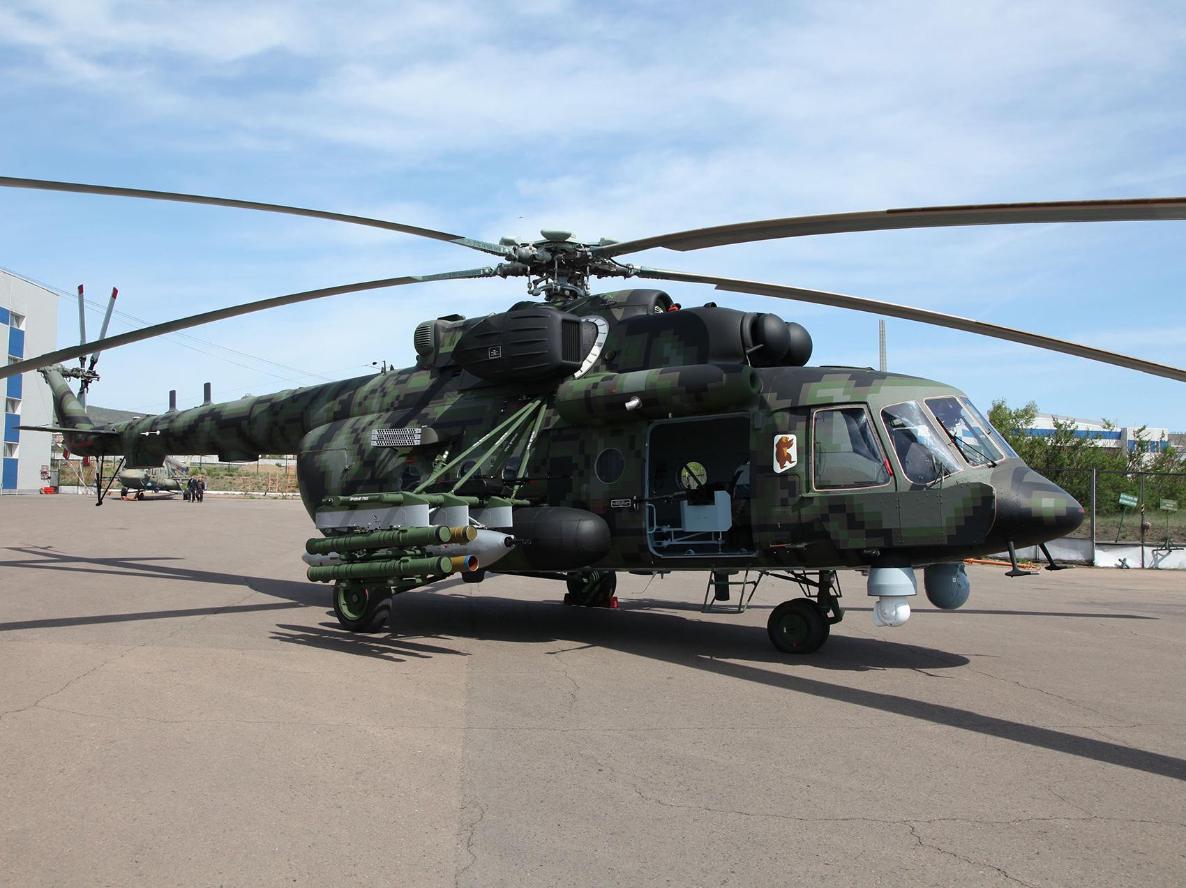 Модернизированный военно-транспортный вертолет Ми-171Ш-ВН.