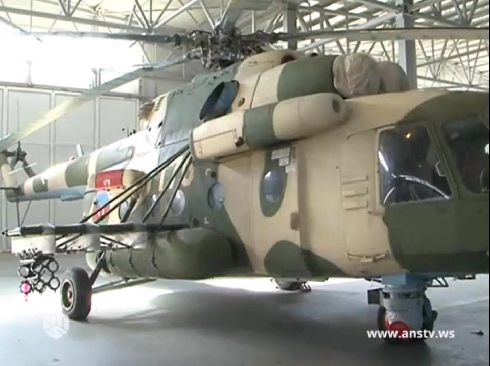 Вертолет Ми-17 вооруженных сил Азербайджана, оснащенный израильским противотанковым ракетным комплексом IAI LAHAT (SkyBow).