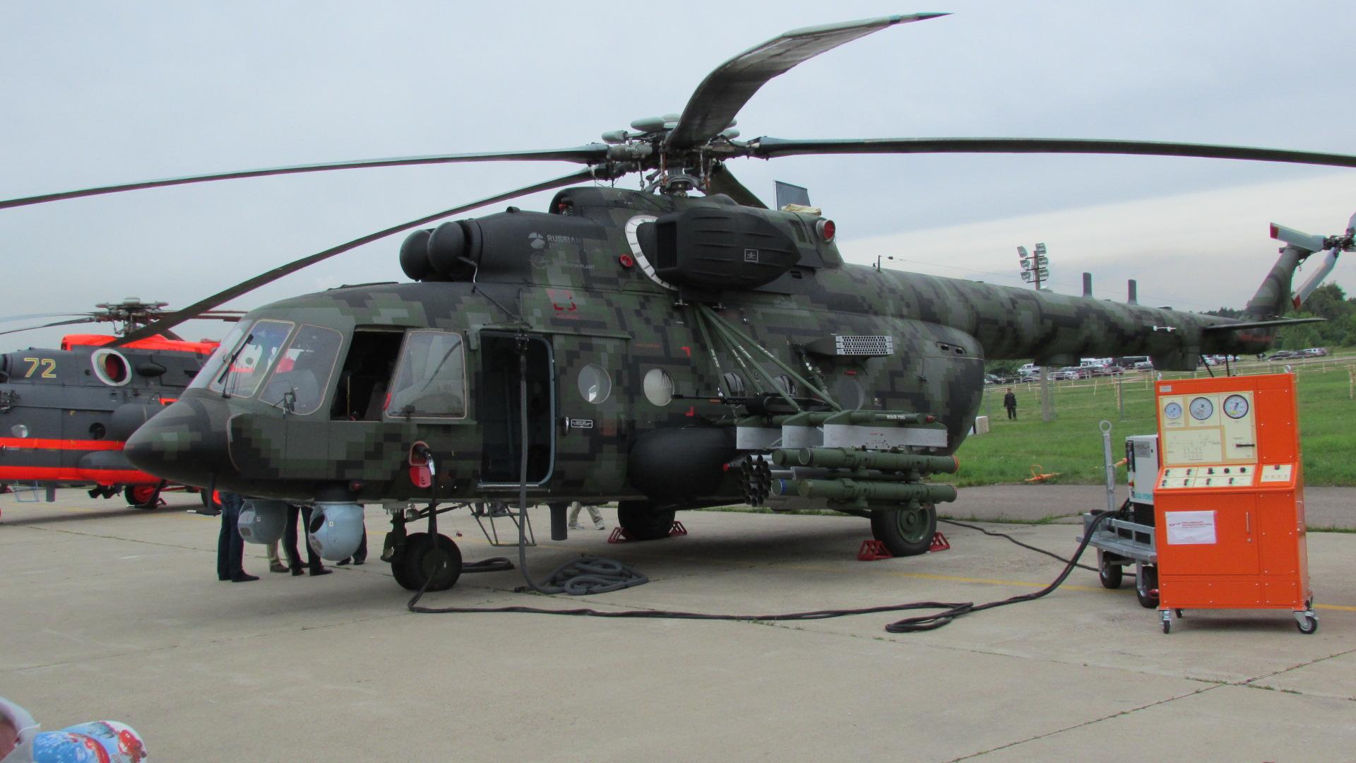 Российский десантно-транспортный вертолет Ми-17В5