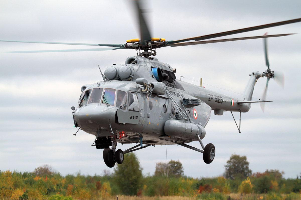 Десантно-транспортный вертолет Ми-17В5.