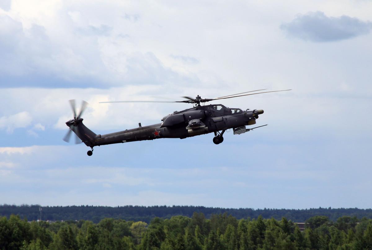 """Российский многоцелевой ударный вертолет Ми-28Н """"Ночной охотник""""."""