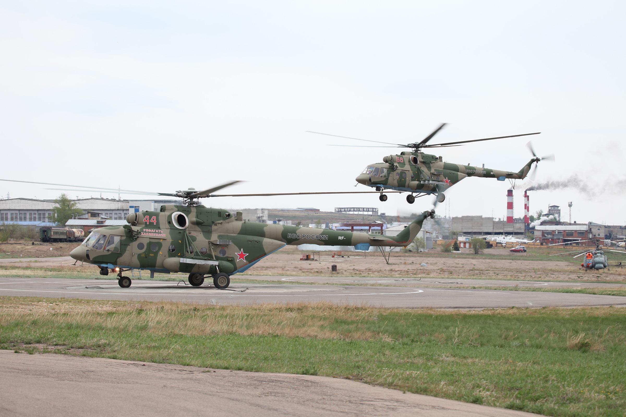 Десантно-штурмовые вертолеты Ми-8АМТШ.