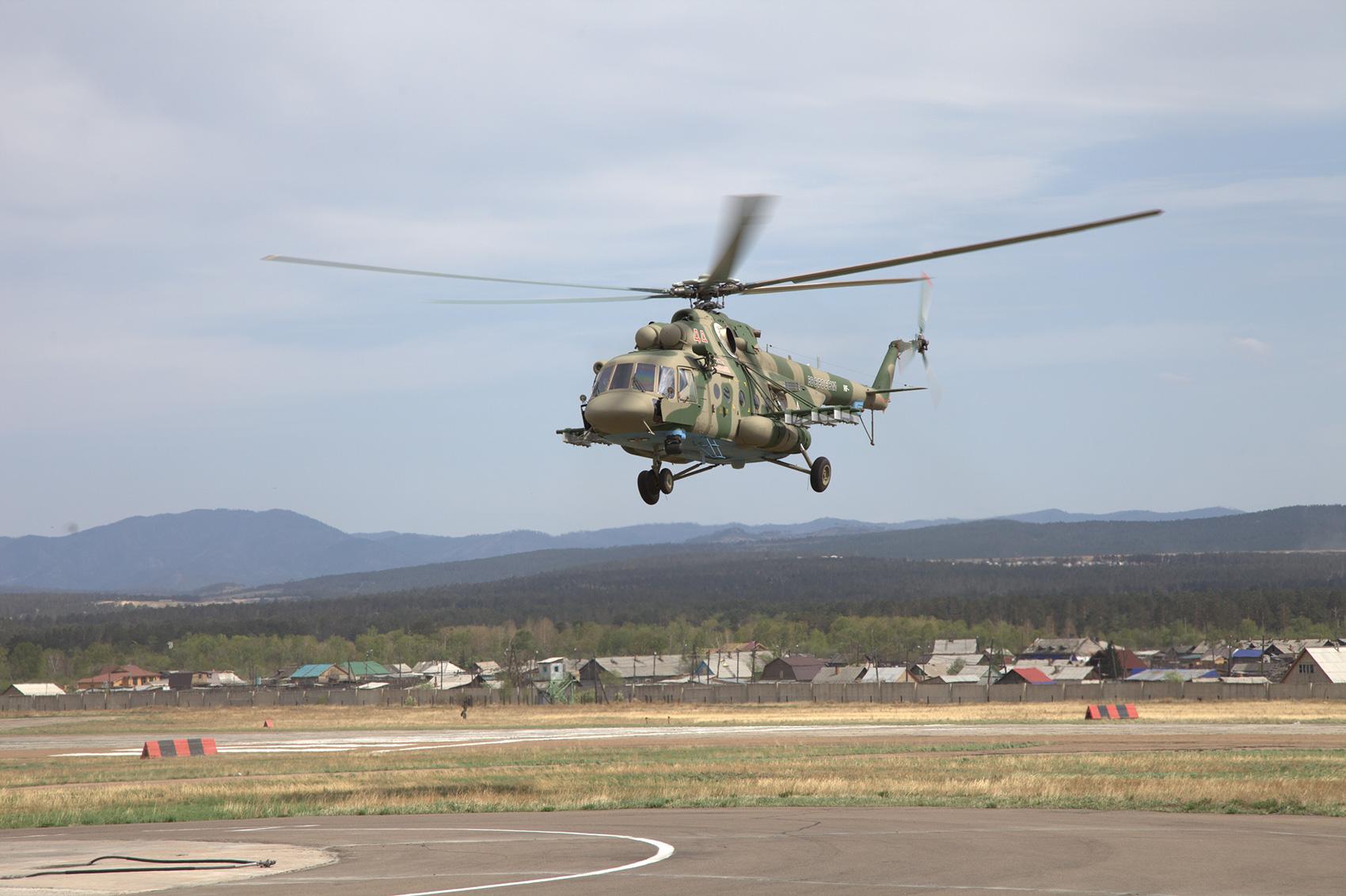 Десантно-штурмовой вертолет Ми-8АМТШ.