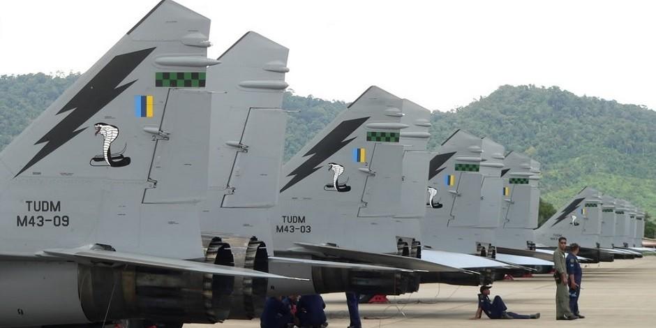 Истребители МиГ-29Н из состава 19-й эскадрильи ВВС Малайзии.