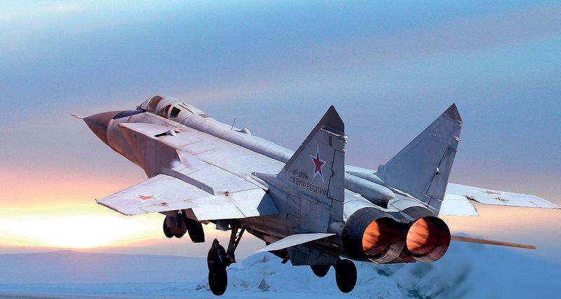 МиГ-31 строился по схеме своего предшественника – высотного перехватчика МиГ-25, но, в отличие от него, имеет экипаж из двух человек. В проектировании самолета большую роль сыграл Г.Е. Лозино-Лозинский, конструктор «Бурана».