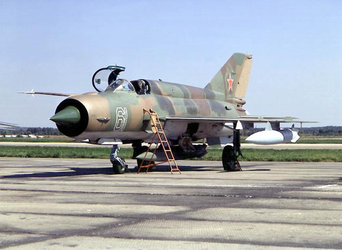 Советский многоцелевой истребитель МиГ-21 (самолёт И-500, НАТО: Fishbed)<br>Источник: http://bvvaul-barnaul.narod.ru/