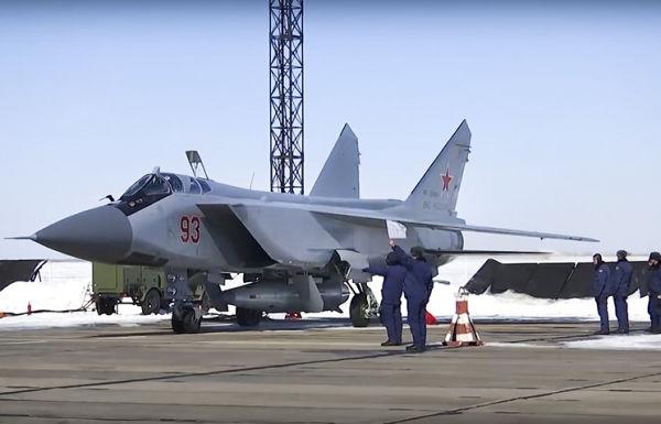 """МиГ-31 с комплексом """"Кинжал"""""""