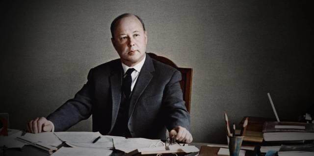Михаил Миль