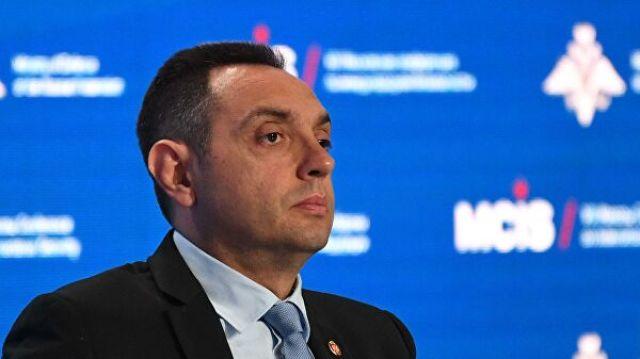 Министр обороны Сербии Александр Вулин