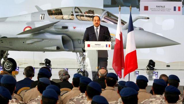 Министр обороны Катара Халид бин Мохаммед Аль-Аттиявыступает с речью на заводе французского авиастроителя Dassault Aviation, Франция, 6 февраля 2019 года