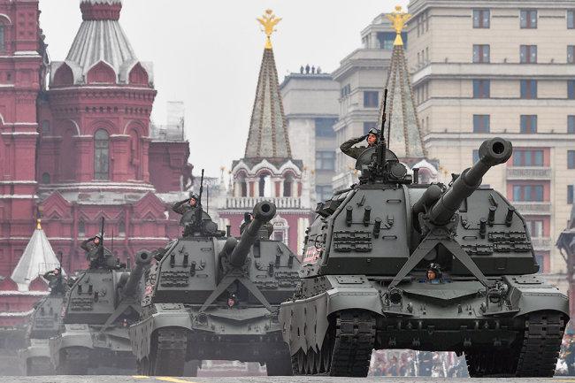 Минобороны: Никаких решений об изменении даты Парада Победы нет