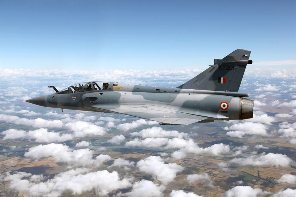 Двухместный многоцелевой учебно-боевой истребитель Mirage-2000TI (рег. номер КТ201) ВВС Индии (ранее имел индекс Mirage-2000TH).