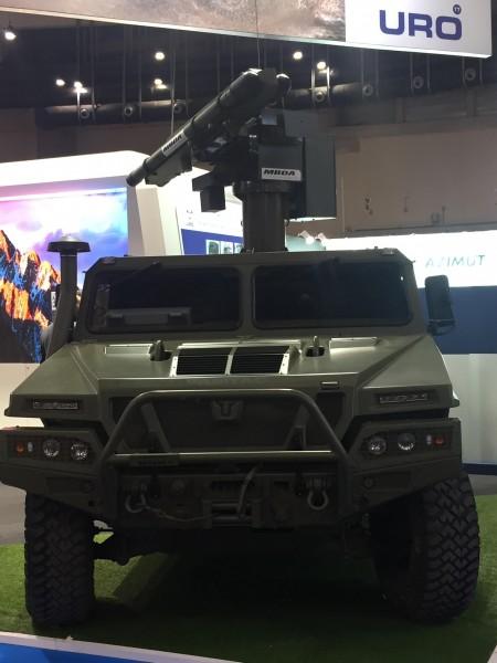 Система ПВО малой дальности MBDA Mistral ATLAS-RC на шасси испанского автомобиля URO VAMTAC ST5.