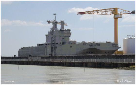 Корабль «Севастополь» типа Mistral