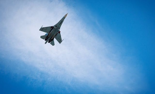 Многоцелевой истребитель Су-27