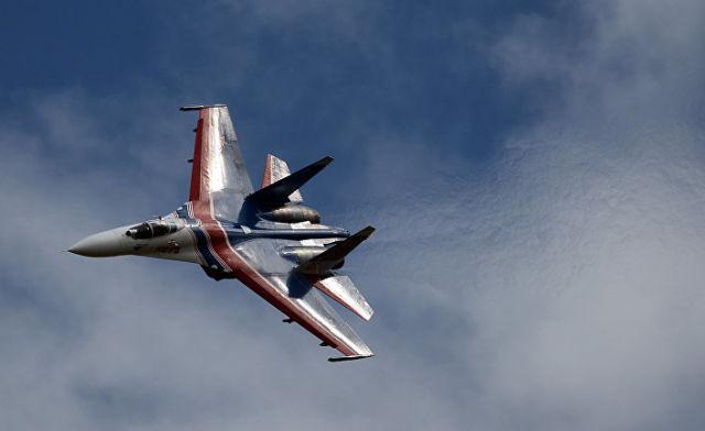 """Многоцелевой истребитель Су-27 пилотажной группы """"Русские Витязи"""""""