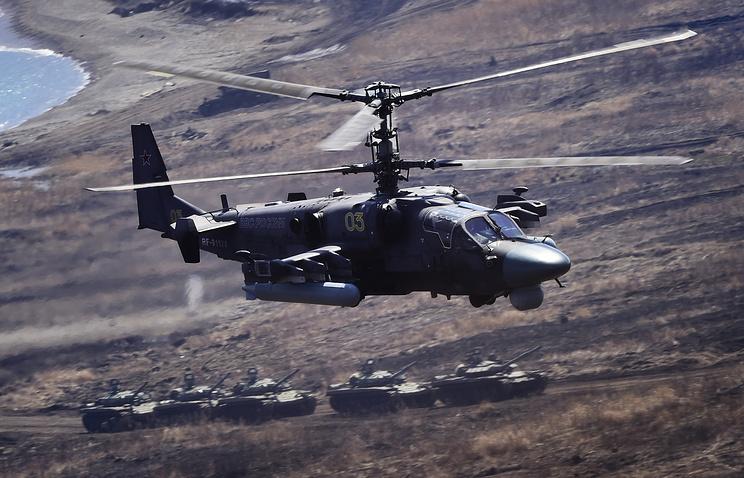"""Многоцелевые всепогодные вертолеты ВКС РФ Ка-52 """"Аллигатор""""."""