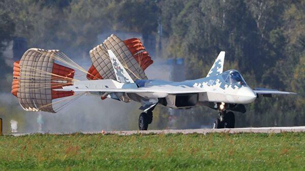 Многофункциональный истребитель Су-57 на полигоне во время подготовки к открытию Международного авиационно-космического салона МАКС-2019