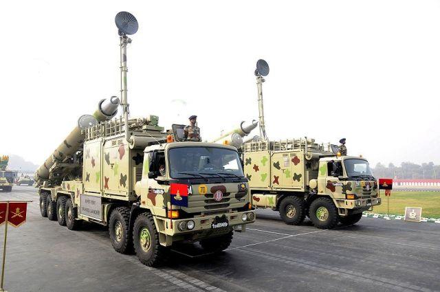 Мобильная ракетная установка BrahMos.