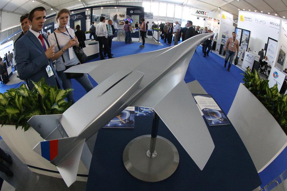 Модель высокоскоростного гражданского самолета, созданная специалистами ЦАГИ в рамках международного проекта HEXAFLY-INT.