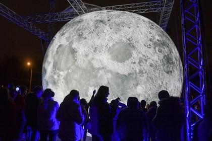 Модель Луны