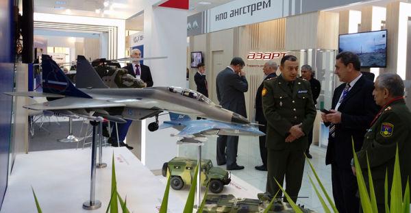 Модели самолетов МиГ-29М2 и Як-130