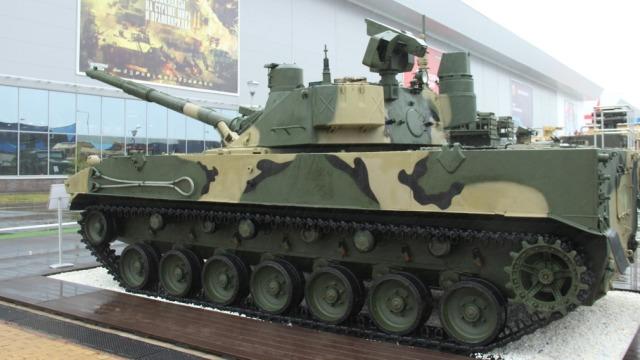 """Модернизированный опытный образец легкого танка """"Спрут-СДМ1"""" в экспозиции Междунардного военно-технического форума """"Армия-2019"""". Кубинка, август 2019 года"""