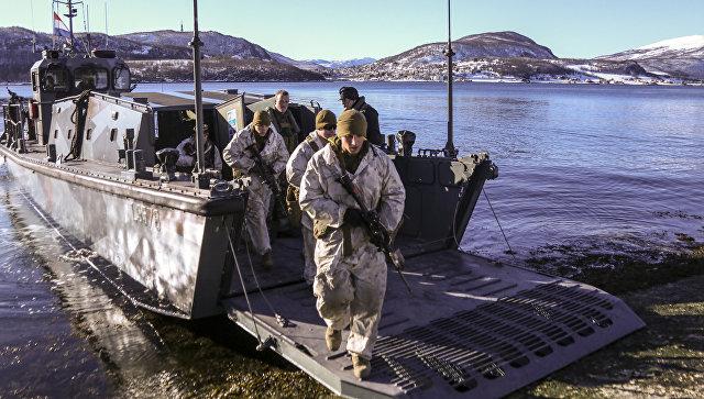 Морпехи США во время учений в Норвегии.