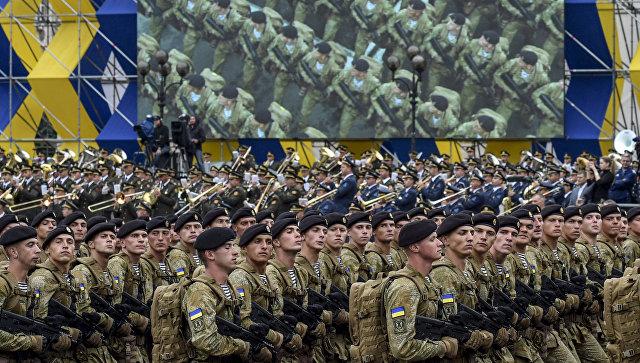 Морская пехота Украины на военном параде по случаю 25-летней годовщины со Дня Независимости Украины в Киеве.