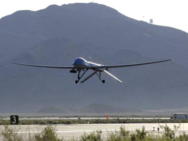 БЛА MQ-1 Predator совершает посадку на базу Крич ВВС США (шт. Невада).
