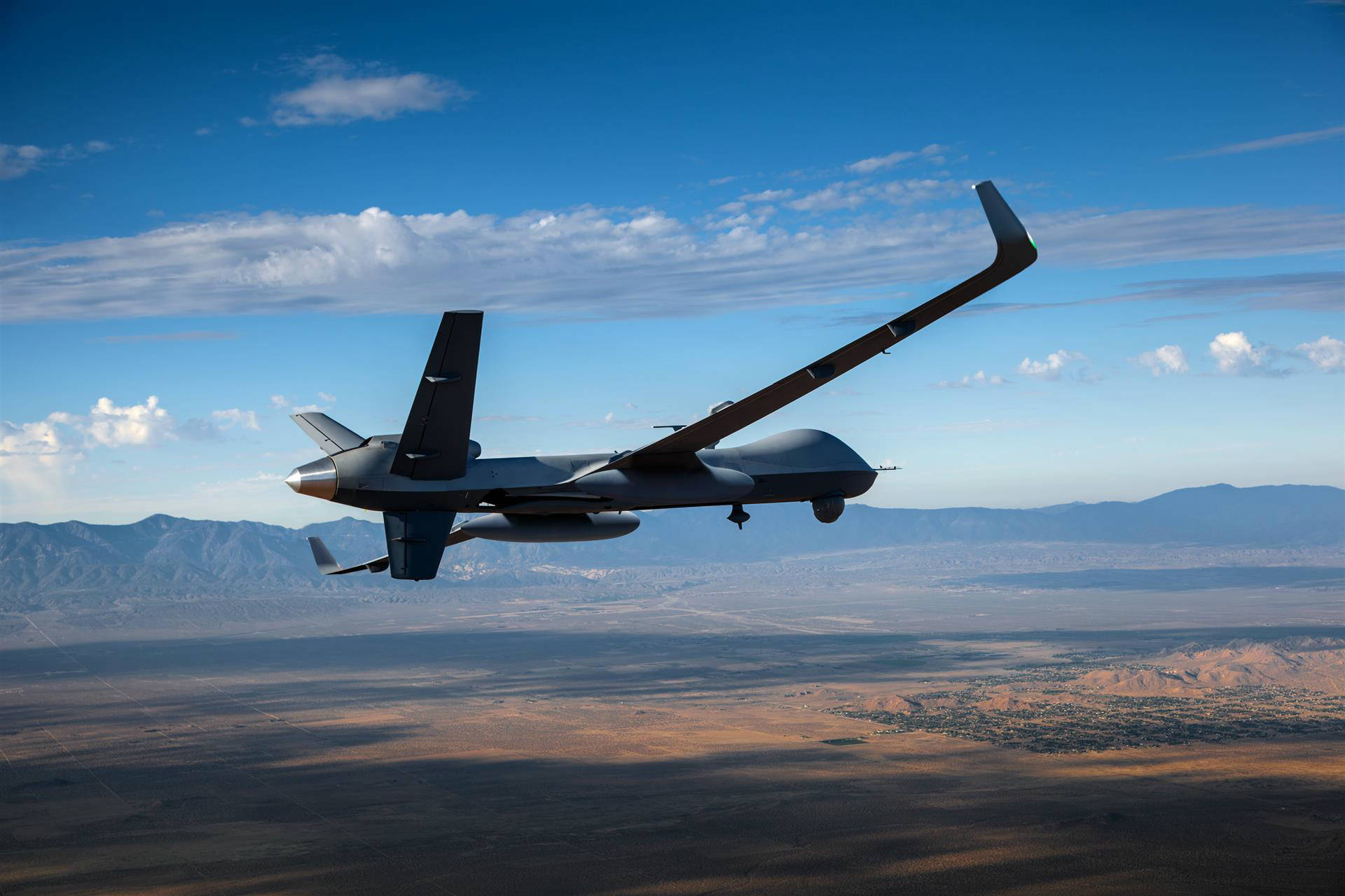 БЛА Predator B/MQ-9 Reaper Extended Range (ER) Long Wing с крылом увеличенного размаха.