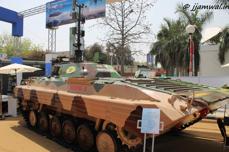 Индийский робот Muntra-B, созданный на базе советской боевой машины пехоты БМП-1.