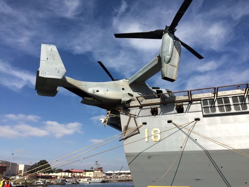 """Конвертоплан Bell Boeing MV-22B Osprey (номер 168026, заводской номер D0156, бортовой номер """"01"""") из состава эскадрильи VMM-166 авиации Корпуса морской пехоты США, потерпевший 09.12.2015 по вине летного состава аварию при посадке на палубу десантного корабля-дока LPD 18 New Orleans. По некоторым сообщениям, ввиду полученных при аварии повреждений силового набора фюзеляжа, конвертоплан будет списан."""