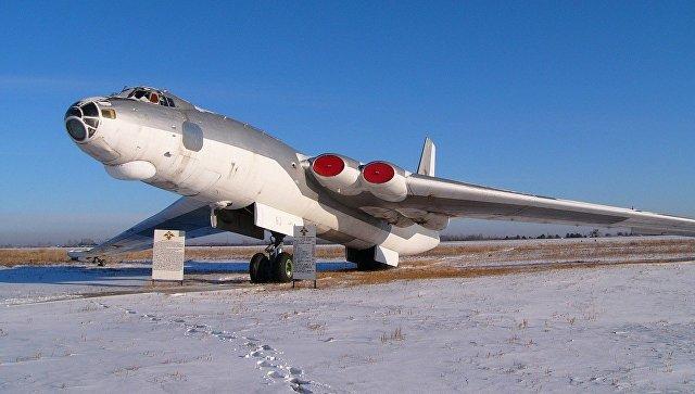 Мясищев М-4. Фотография сделана на авиабазе Украинка.