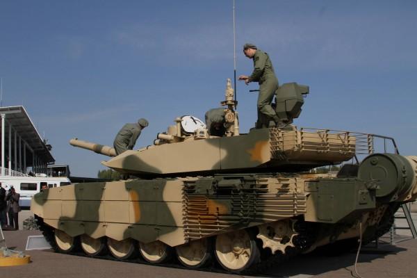 Модернизированный Т-90С на выставке в Нижнем Тагиле<br>http://rg.ru/foto