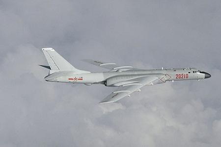 На фото бомбардировщик «Хан-шесть». Фото Reuters