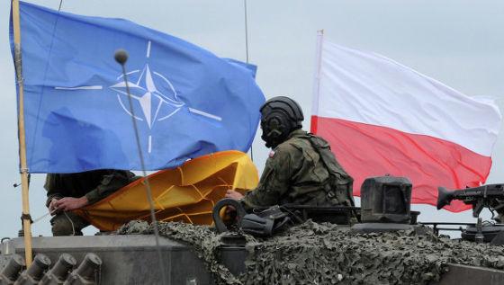 Флаги Польши и НАТО