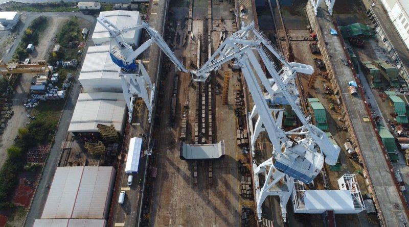 Церемония закладки на предприятии испанского судостроительного объединения Navantia в Эль-Ферроле головного строящегося для Королевских ВМС Австралии корабля комплексного снабжения Supply. 17.11.2017.