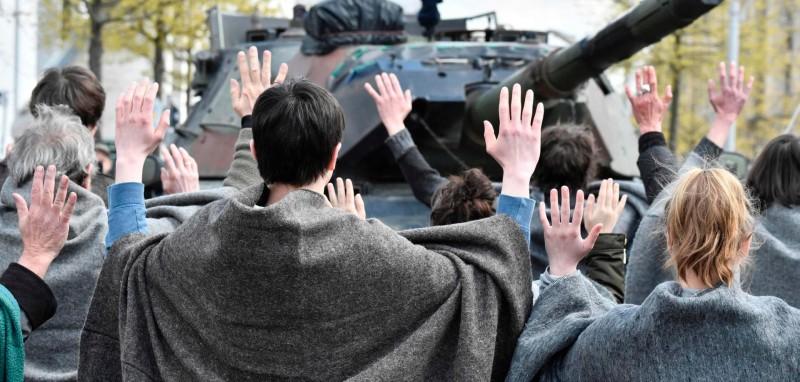 Немецкие активисты вытупают против планов группы Rheinmetall по строительству танкового завода в Турции, Берлин, 26.04.2017 (речь идет о строительстве завода по выпуску бронетанковой техники в Сакарья-Карасу совместным предприятием RBSS, образованным турецкой компанией BMC (49% участия), группой Rheinmetall (10%) и малайзийской компанией Etika Strategi (41%)).