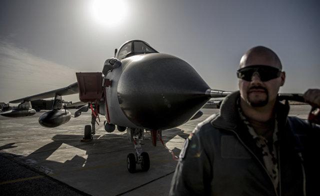 Немецкий боевой самолет Tornado и его пилот