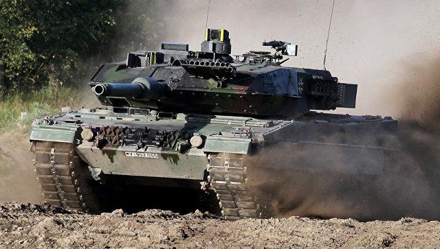Немецкий военный танк Leopard-2.