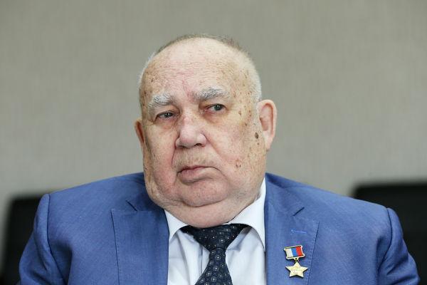 Николай Макаровец