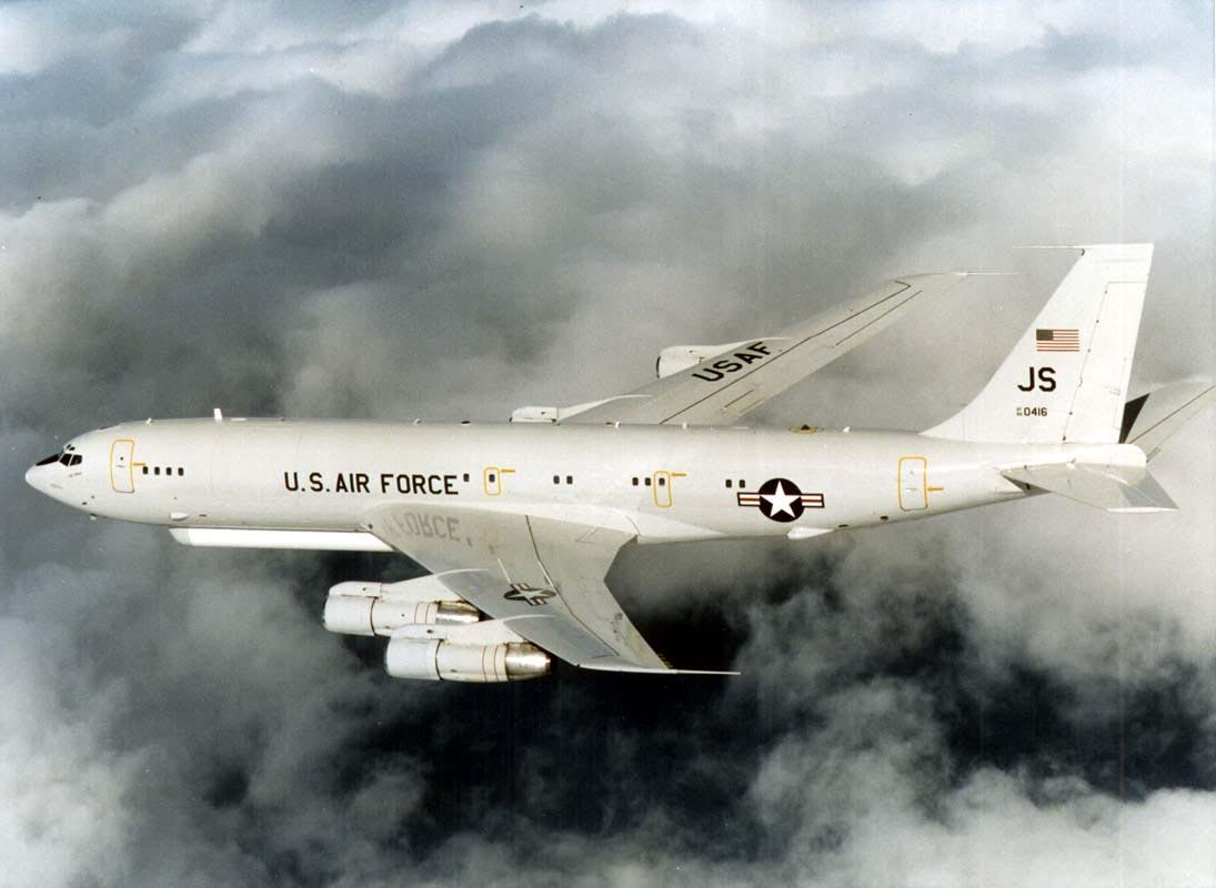 Разведывательный самолет управления полем боя Northrop Grumman E-8C JSTARS.