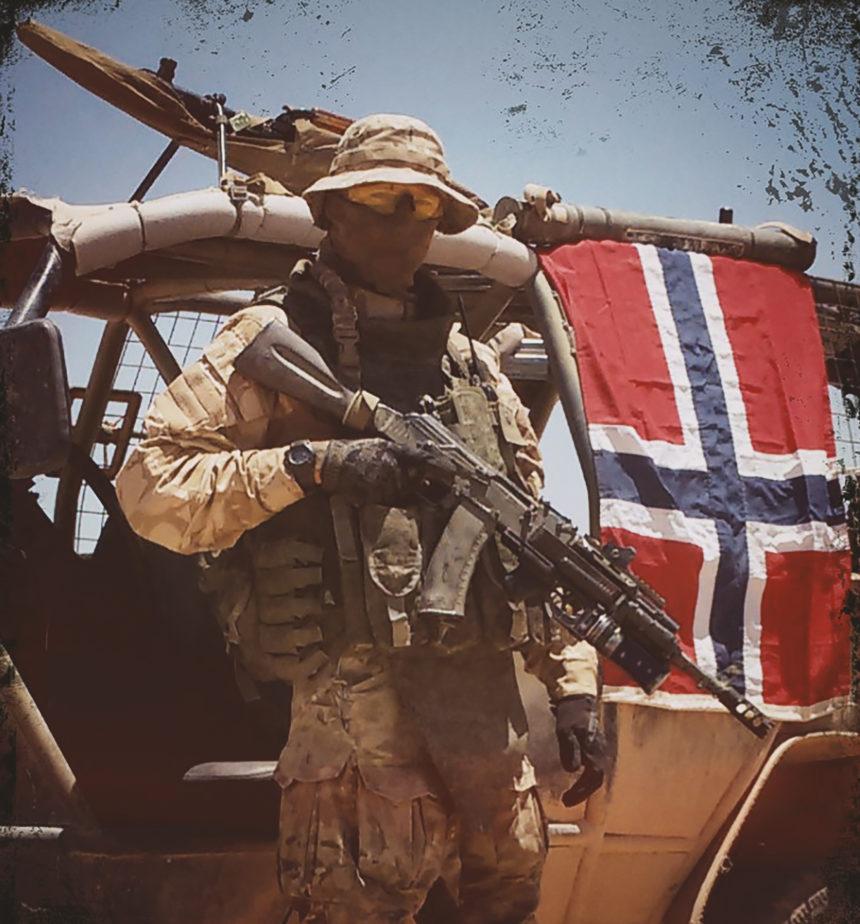 Норвежские добровольцы, вооруженные автоматами АК-74, из состава добровольческого подразделения Þorbrandr, действовавшего на стороне российских сил в Сирии, 2017 год.