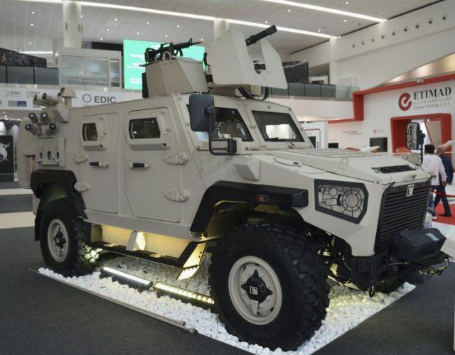 Новая бронированная машина Ajban Nimr 447A MRAV эмиратской компании Nimr Automotive в экспозиции международной оборонно-промышленной выставки IDEX-2019 в Абу-Даби (ОАЭ), февраль 2019 года