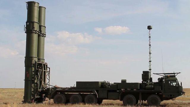 """Новейшая зенитная ракетная система С-500 на полигоне """"Капустин Яр"""""""