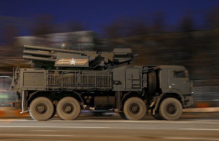 """Зенитный ракетно-пушечный комплекс наземного базирования 96К6 """"Панцирь-С1"""" (SA-22 GREYHOUND)"""