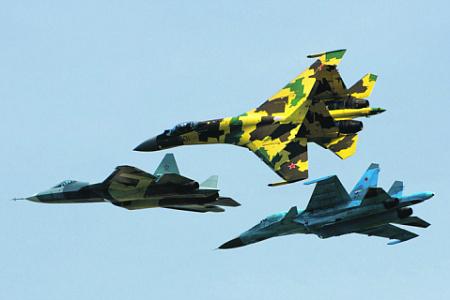 Новейшие российские истребители. Фото Александра Бельтюкова