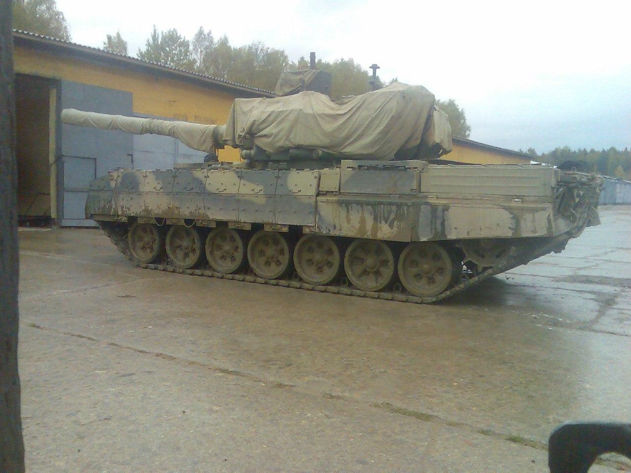 Возможно опытный танк «объект 195».